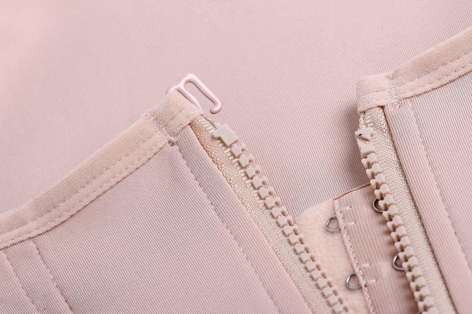 682ba67d579 Eleady Women s Underbust Corset Waist Trainer Cincher Steel Boned Body  Shaper Vest with Adjustable Straps (S