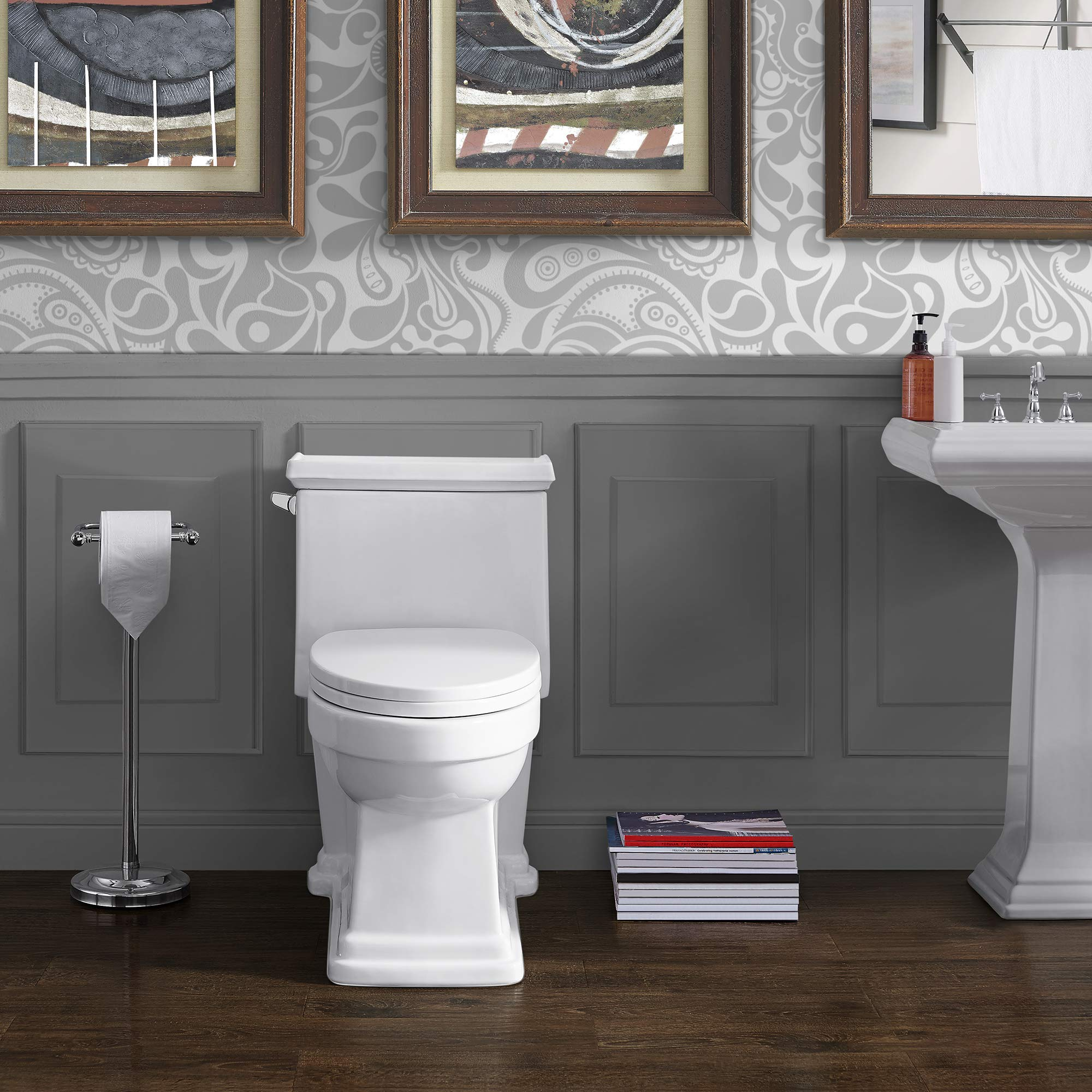 Swiss Madison SM-1T114 Voltaire One Piece Toilet, Glossy White by Swiss Madison