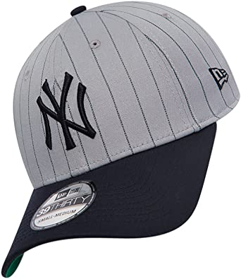 b13296dde608a New Era 39THIRTY Pinstripe Stretch New York Yankees Cap - Grey - Large   Amazon.co.uk  Clothing