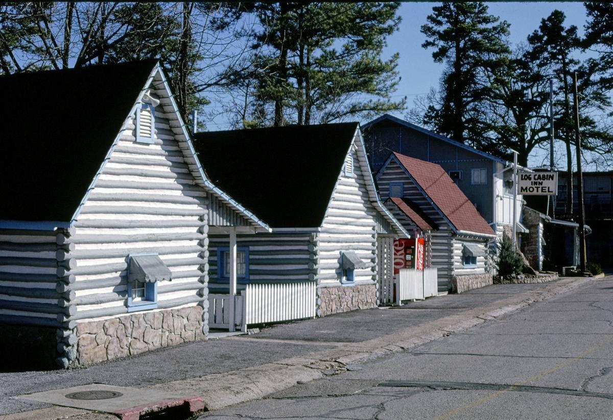 Roadside America Photo Collection   1994 Log Cabin Inn Motel, Eureka Springs, Arkansas   Photographer: John Margolies   Historic Photographic Print 12in x 08in