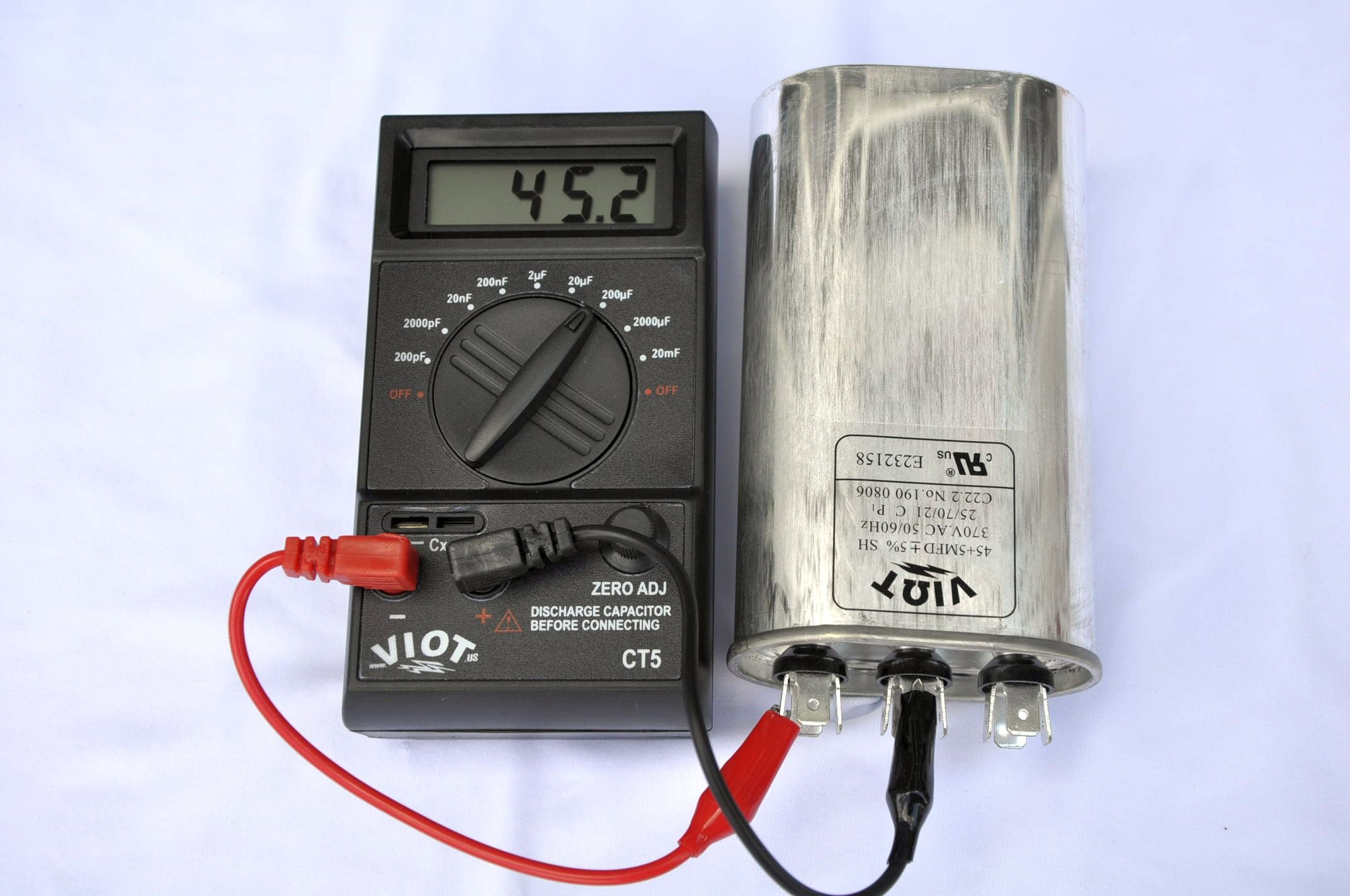 Portable Digital Capacitor Tester:Wide Range Large Capacity Model CT5 for testing capacitance:1 pFd to 20 mFd cover all those uF
