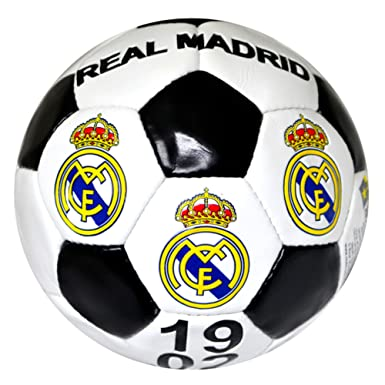 amazon com real madrid fc official crest design soccer ball size 5