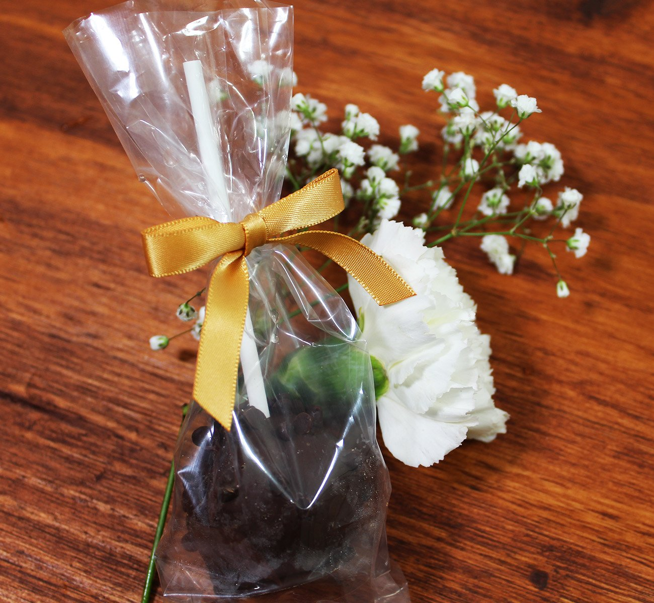 Cake Pop Bags with Gold Twist-tie Bows. Set of 24 Small Clear Cellophane Gift Treat Bags with Satin Pre-Tied Bows Clear, Gold