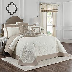 """Vue Bensonhurst 128"""" x 122"""" Size Oversized Matelasse Bed Spread, King/Cal King, Ivory"""