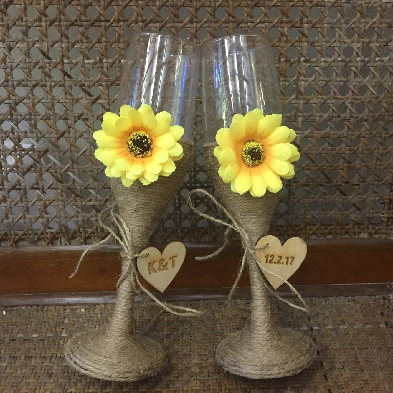 Wedding Champagne Flutes with Sunflowers, Personalized Wedding Toasting Flutes Pair of Two Glasses for Bride & Groom Wedding Glasses