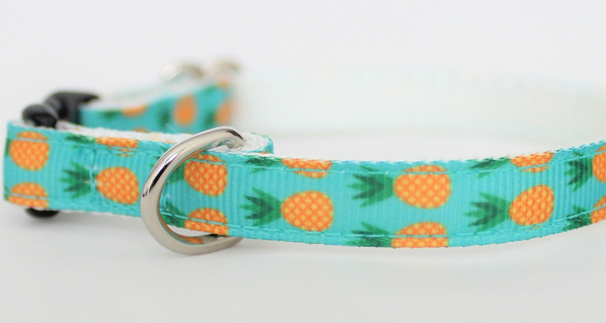 Beach Biscuit Cat or Toy Dog Collar Pineapple Collar (Toy or Cat 3/8″ width 6-9″ (breakaway clasp))