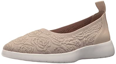 6f660150511d Amazon.com  Taryn Rose Women s Daisy Knit Sneaker  Shoes