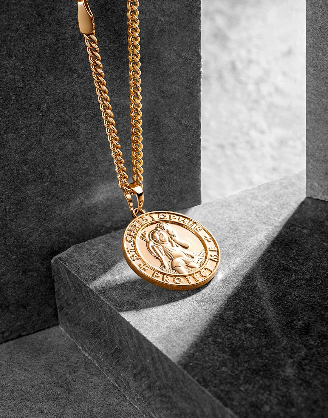 18k/Gold/Plated/Coin/Necklace/Vintage/Textured/St/Christopher/Medal/Patron/Saint/of/Travelers/Catholic/Protection/Pendant/Necklace,/Gold/Tone/Devotional/&nbs