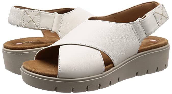 5a7e899fae97 Clarks Women s Un Karely Hail Fashion Sandals  Buy Online at Low Prices in  India - Amazon.in