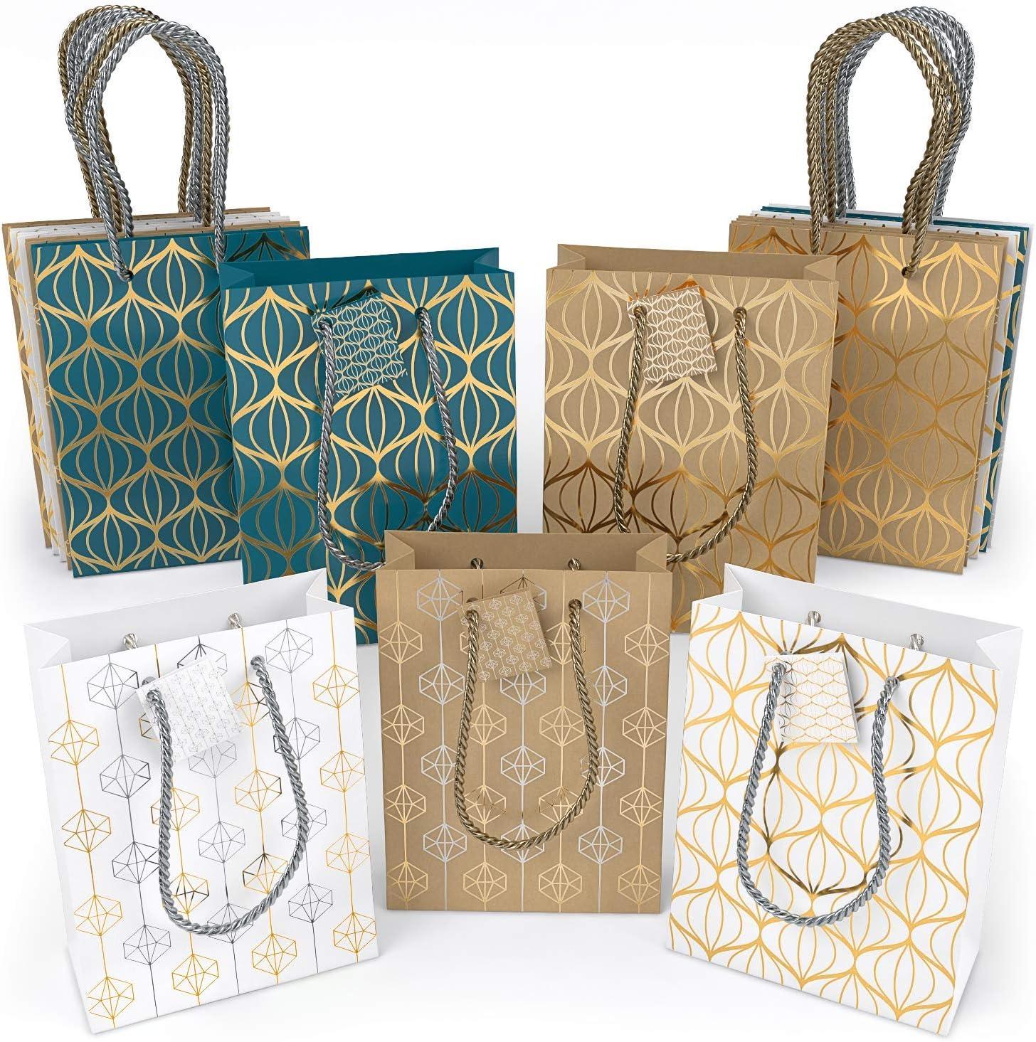 anniversaire Sac cadeau Arteza pack de 16 2 sacs blancs de chaque mod/èle Sac cadeau papier brillant 24 x 17,8 x 8,6 cm Sac cadeau No/ël lot f/êtes 8 motifs en tout
