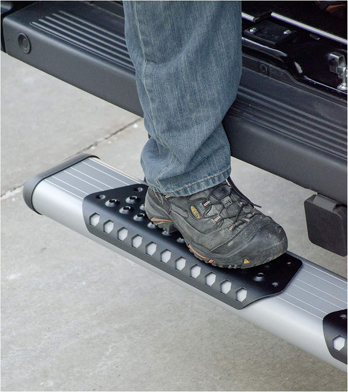 6 Inch Silver Powder-Coated Aluminum Luverne 583254-571473 O-Mega II Oval Side Step with Non-Skid Aluminum Step Pads