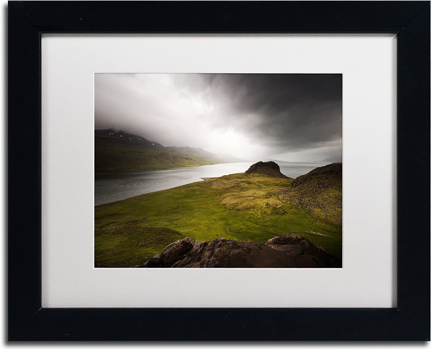 Amazon Com Beautiful Loneliness By Philippe Sainte Laudy White Matte Black Frame 11x14 Inch Home Kitchen