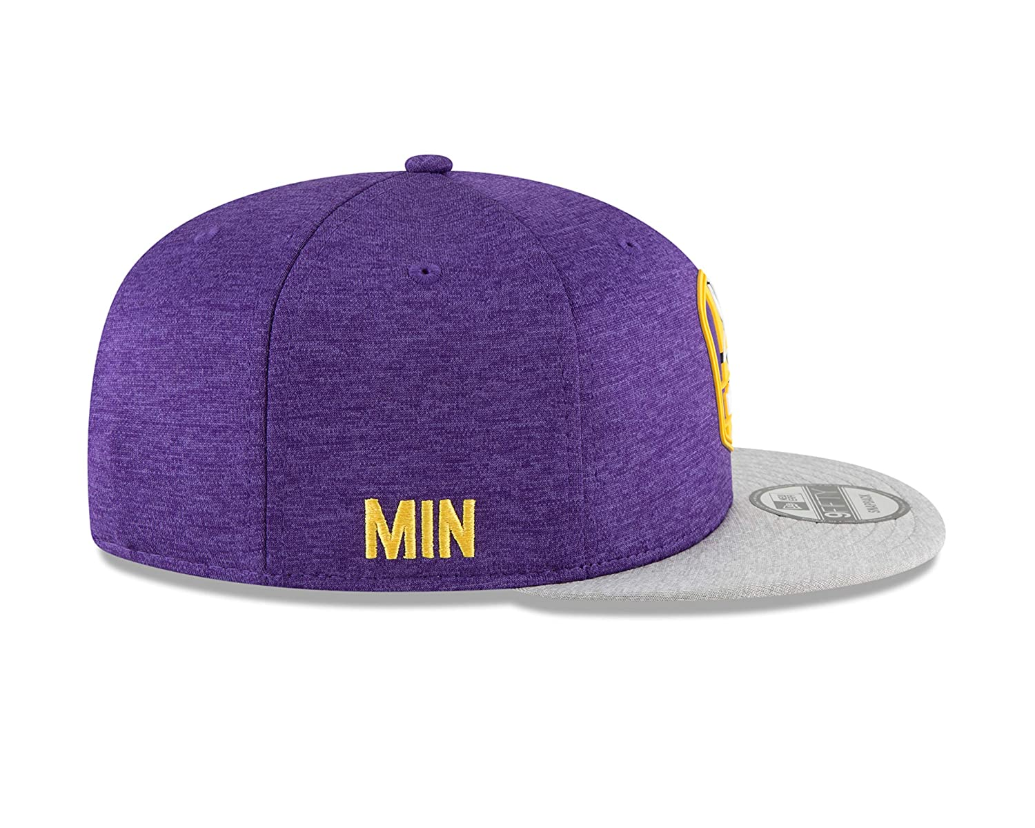 Amazon.com  New Era Minnesota Vikings 2018 NFL Sideline Road Official  9FIFTY Snapback Hat  Sports   Outdoors a90a56a0cbe