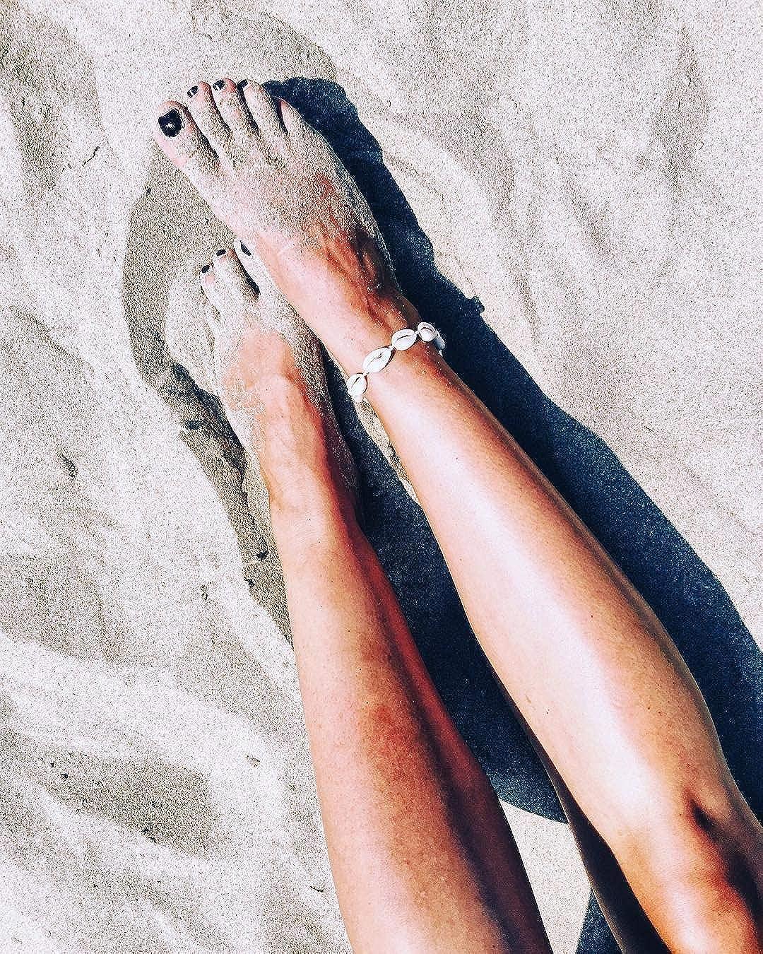 Summer Boho Hawaiian Jewelry for Girls Fesciory Puka Shell Anklet for Women Beach Nature Seashell Adjustable Ankle Bracelet