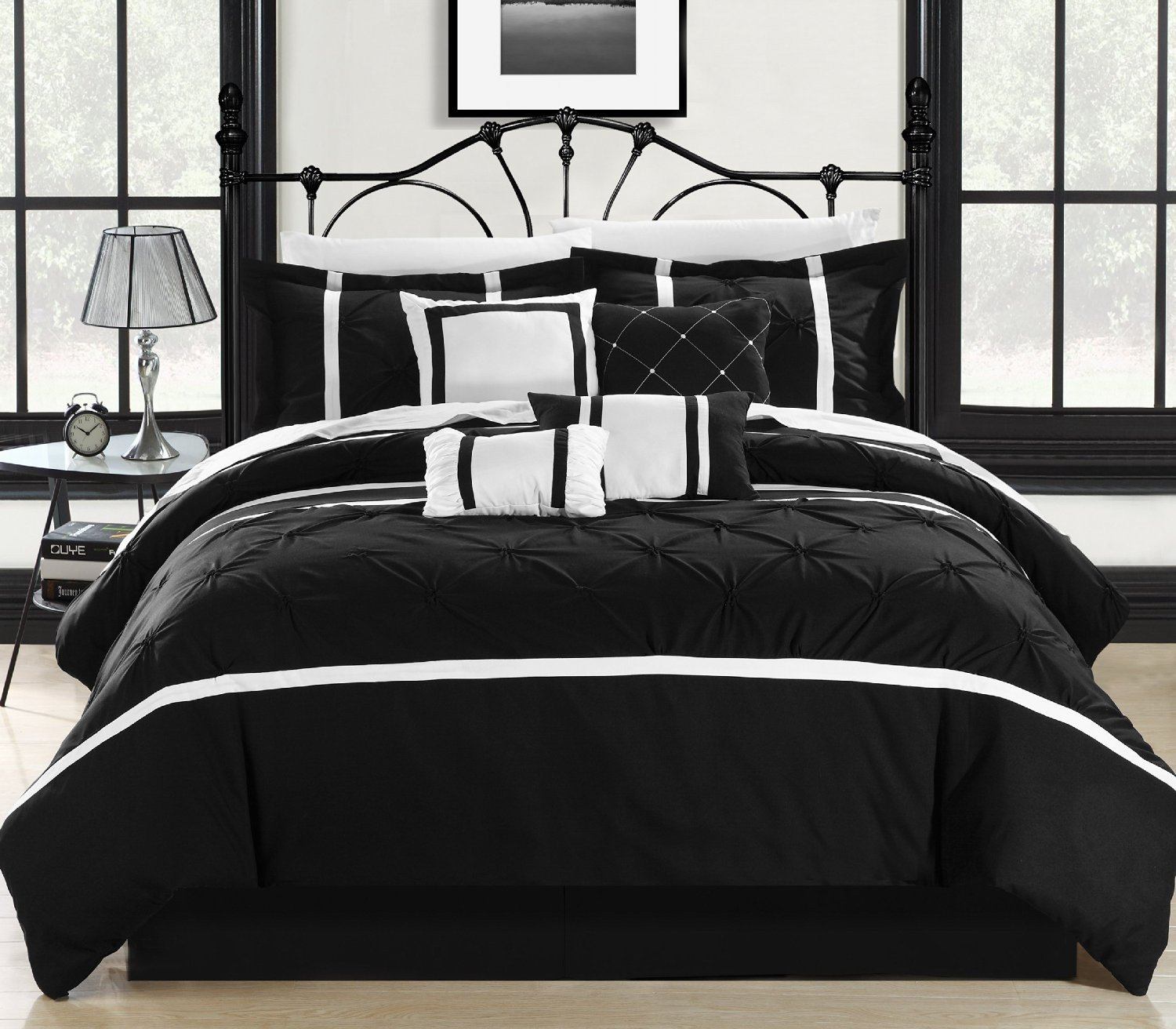 Vermont Black & White King 12 Piece Embroidered Bed In A Bag Set Sheet Set