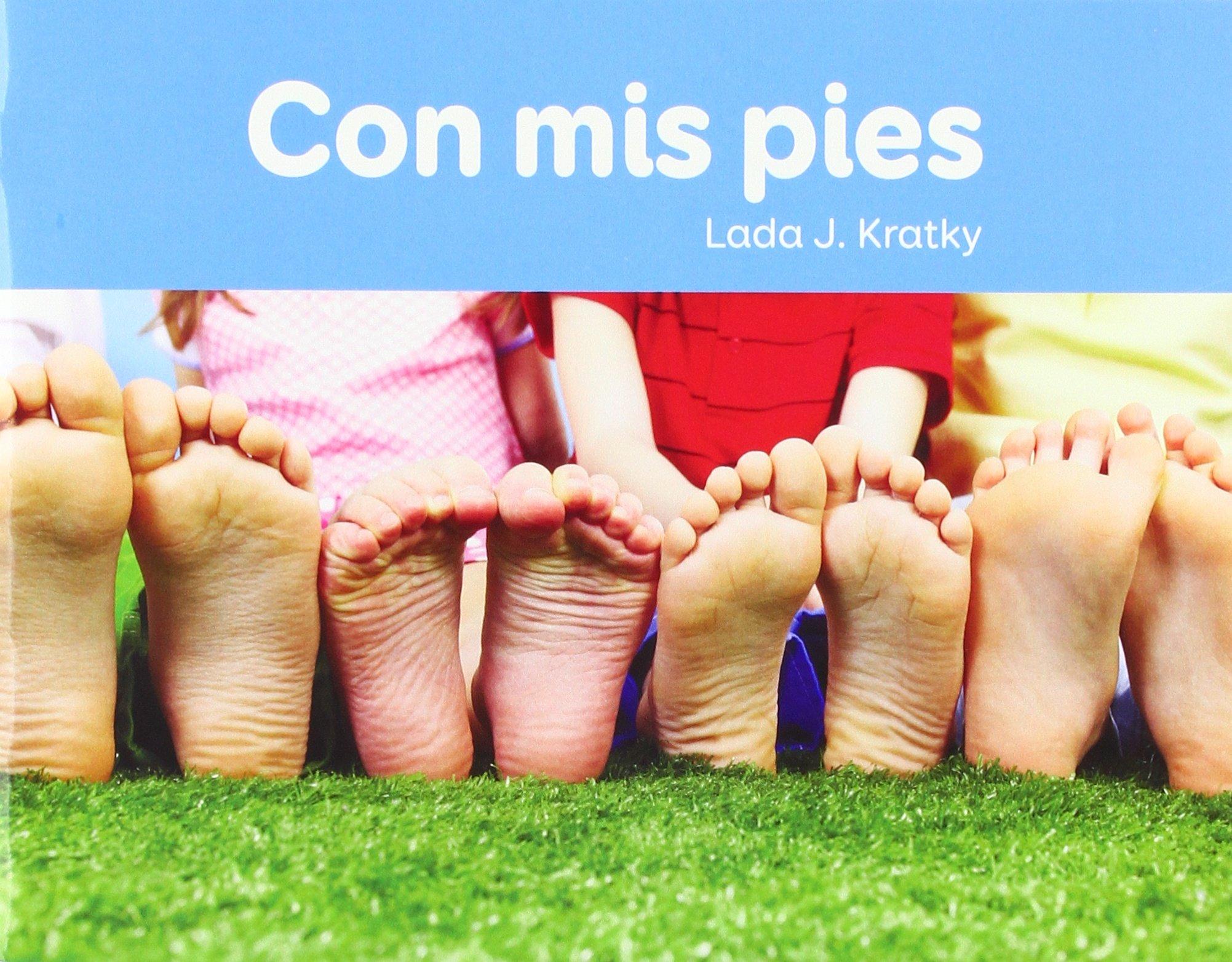 Con mis Pies (Facil de Leer / Easy to Read) (Spanish Edition) (Spanish) Paperback – June 1, 2018