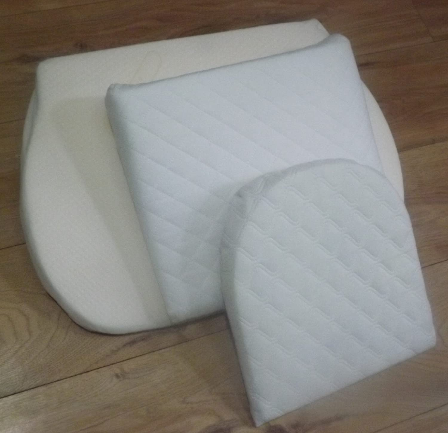 Helps Colic Reflux 38CM wide BABY REX /®Baby Breath Easy Sleep Wedge Pillow Crib