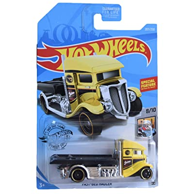 Hot Wheels Metro Series 8/10 Fast Bed Hauler 207/250, Yellow: Toys & Games