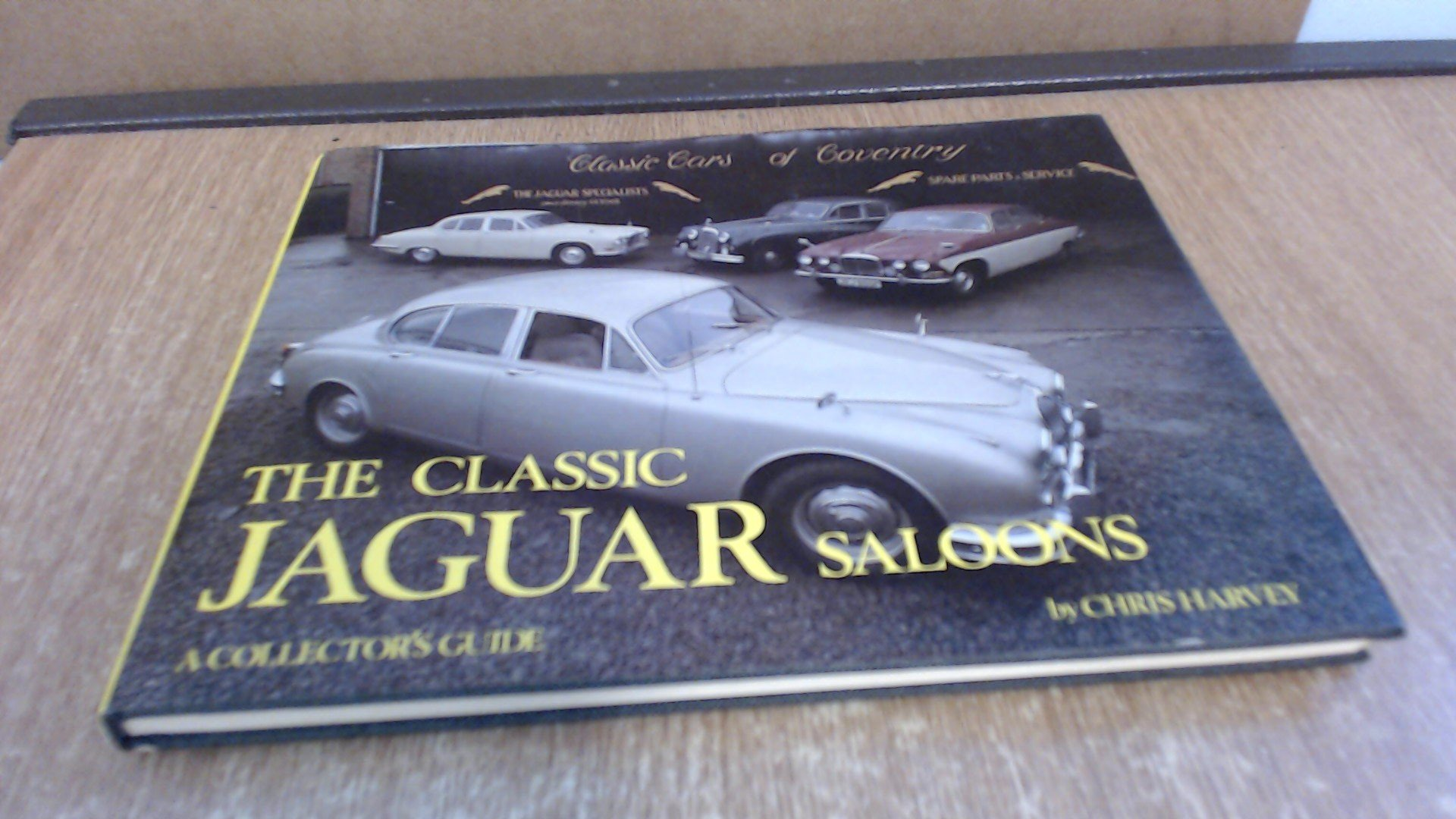 Classic Jaguar Saloons (Collector's Guides)