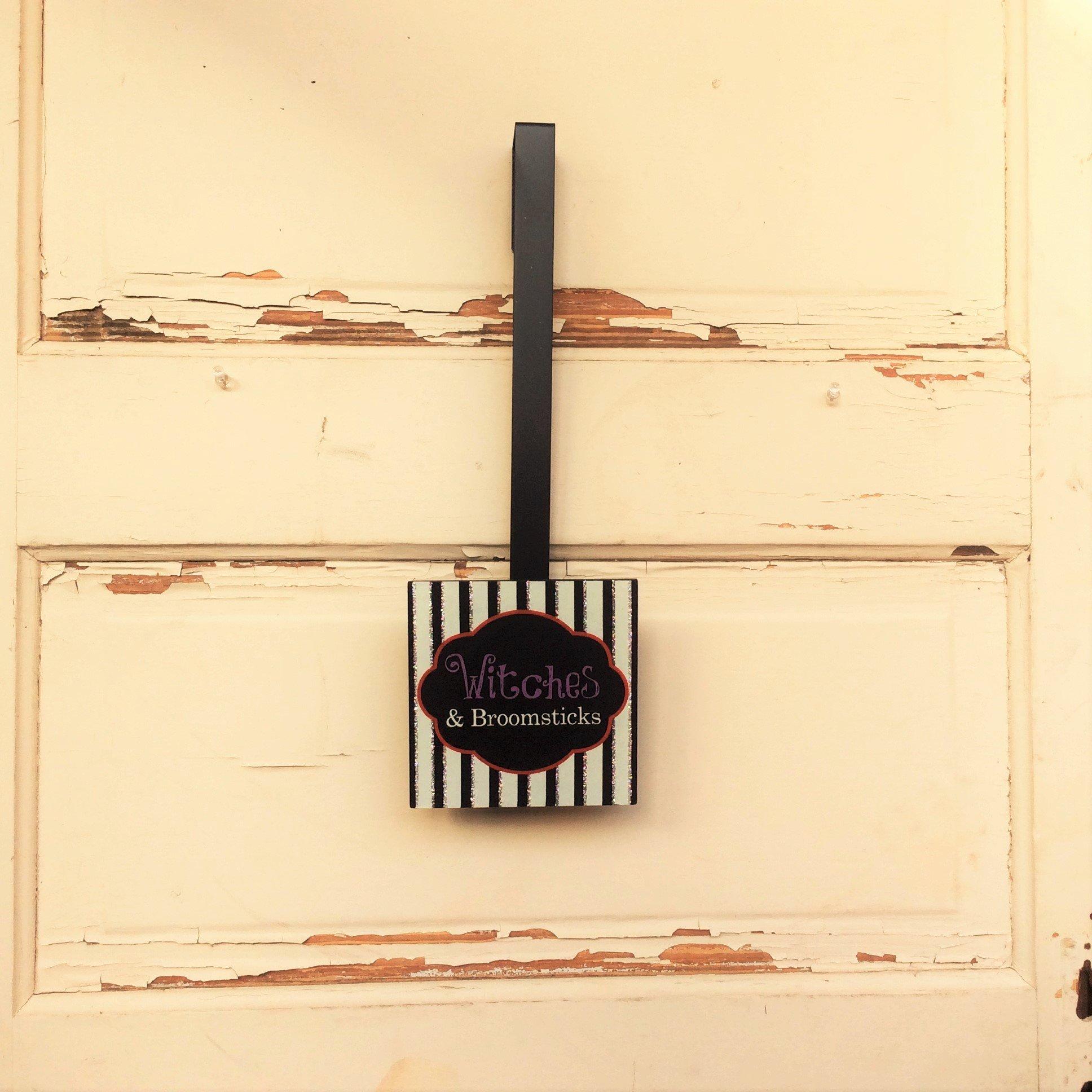 AG Designs Halloween Decor - Wreath Door Hanger - Witches and Brooksticks