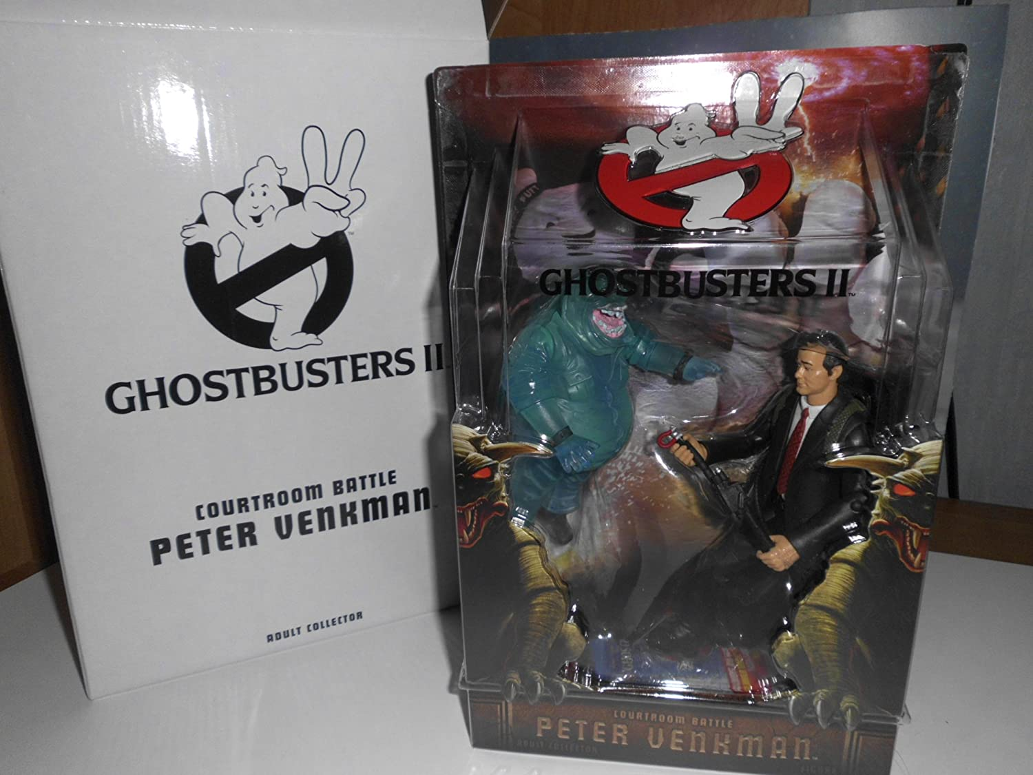 Ghostbusters 16cm Figur: Peter Venkman (Courtroom) with Nunzio Scolari Ghost