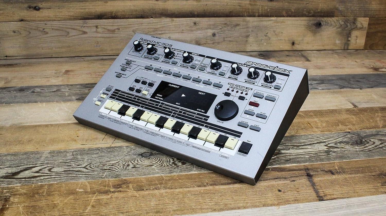 B004AQ7WC4 Roland Mc-303 Sequencer Dance Music Machine Groove Box 81bZSzEIkeL.SL1500_
