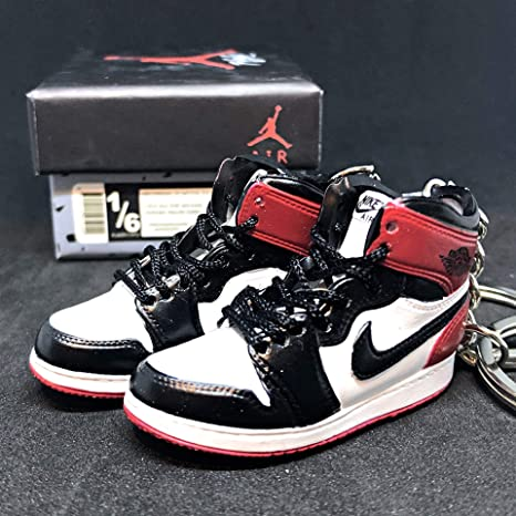 buy online 851eb 09a9b Amazon.com   Pair Air Jordan I 1 Retro High Black Toe Chicago OG Sneakers  Shoes 3D Keychain Figure + Shoe Box   Everything Else