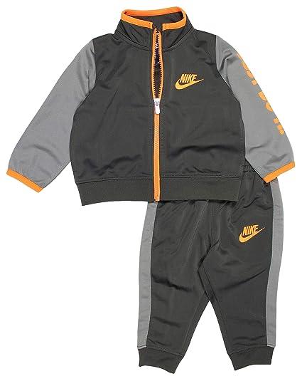 d6904191e4e6 Amazon.com  NIKE Baby Boy s 2 Piece Tricot Warm-Up Jacket and Pants ...