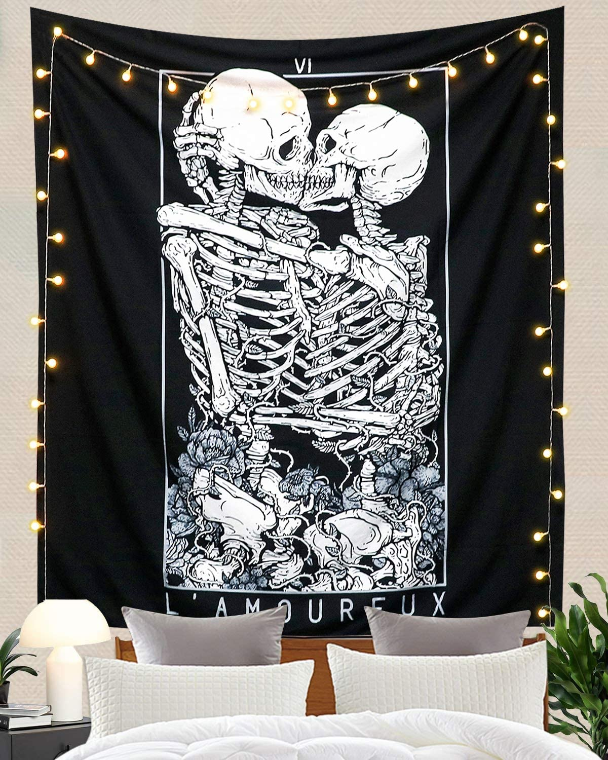 Indian Wall Hanging Poster Tapestry Skull Kissing Printed Wall Decor Tapestry