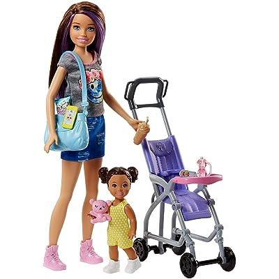 Barbie Muñeca Skipper hermana de Barbie, niñera de paseo (Mattel FJB00): Juguetes y juegos