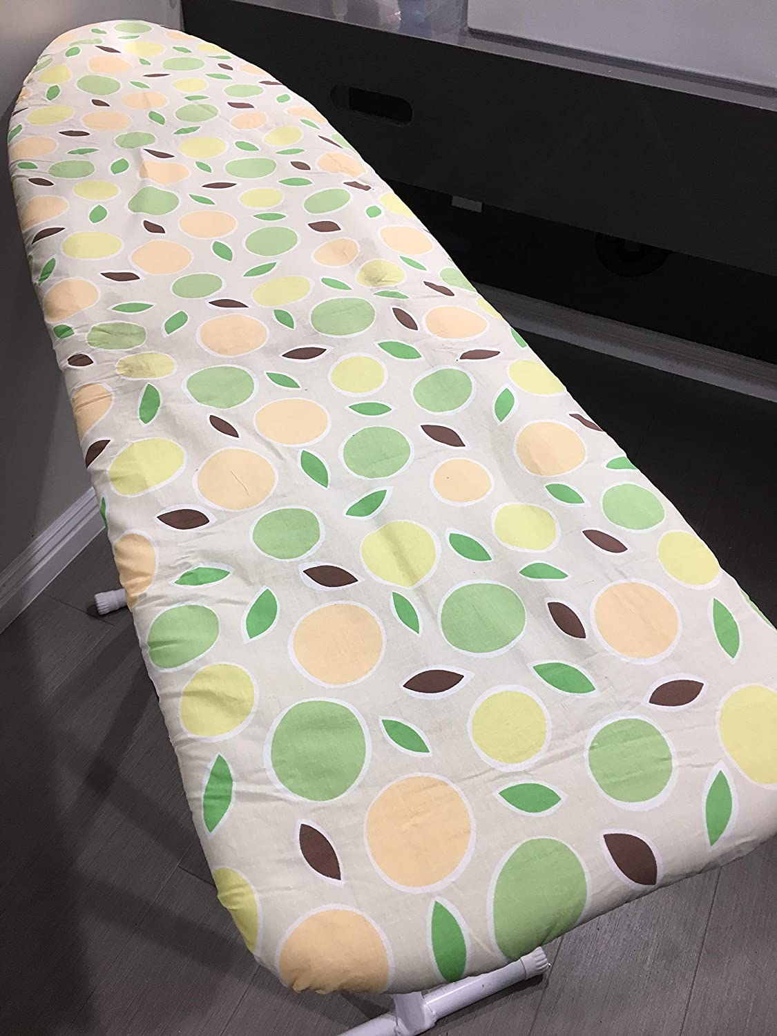 J&J home fashion Heavy Use Ironing Board Cover and pad Spots