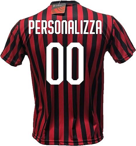 DND DI DANDOLFO CIRO Maglia Calcio Milan Personalizzabile Replica Autorizzata 2019-2020 Taglie da Bambino e Adulto Personalizza con Il Tuo Nome o Il Nome del Tuo Giocatore Preferito.