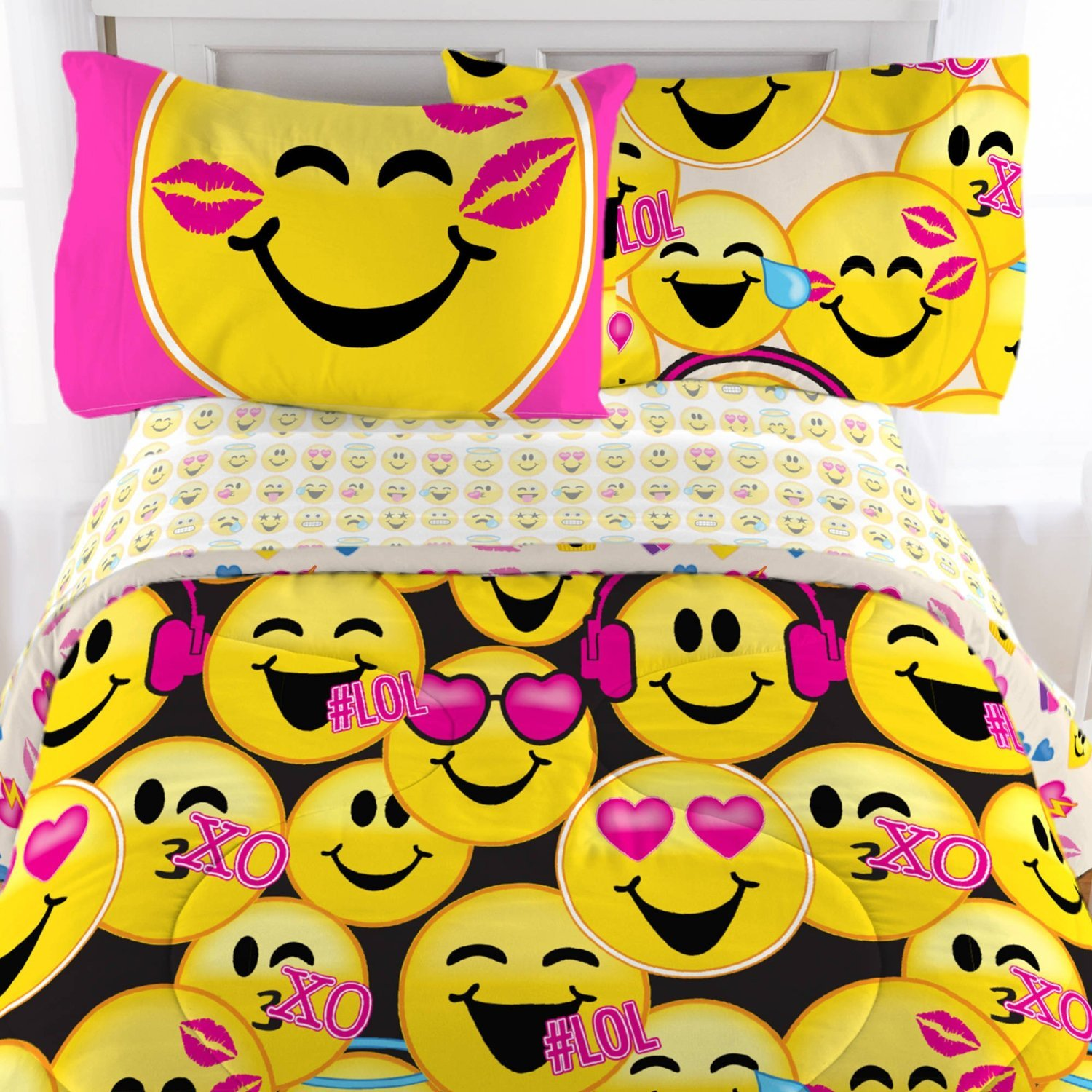 Emoji 3 Piece Microfiber Sheet Set with Pillowcase - Twin Jay Franco & Sons Inc. MA643CT