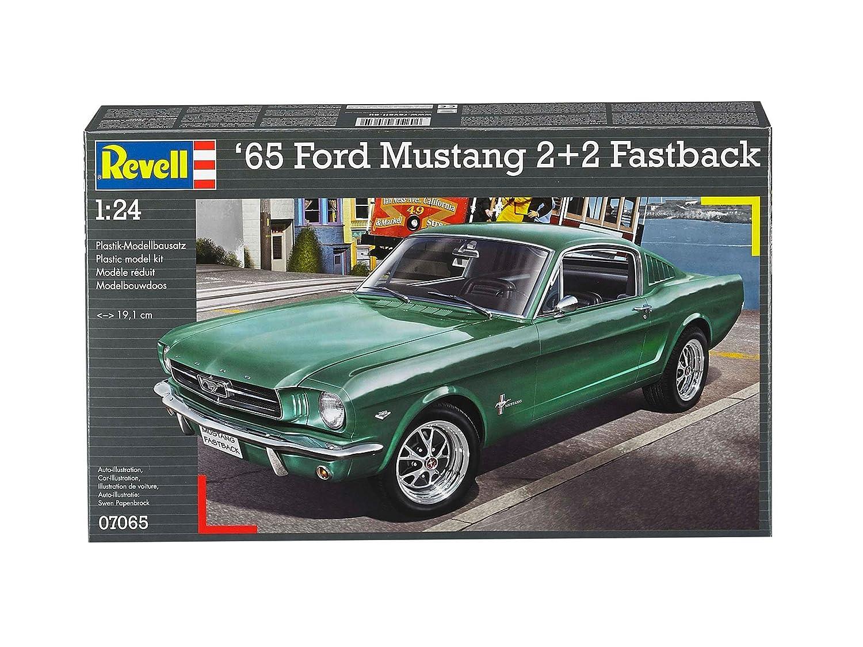 Revell germany 1965 ford mustang 2 2 fastback plastic model kit 1 25 scale