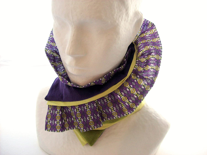 col echarpe vert et violet en velours , tour de cou molletonné femme , chauffe cou reversible à volant , cadeau pour elle