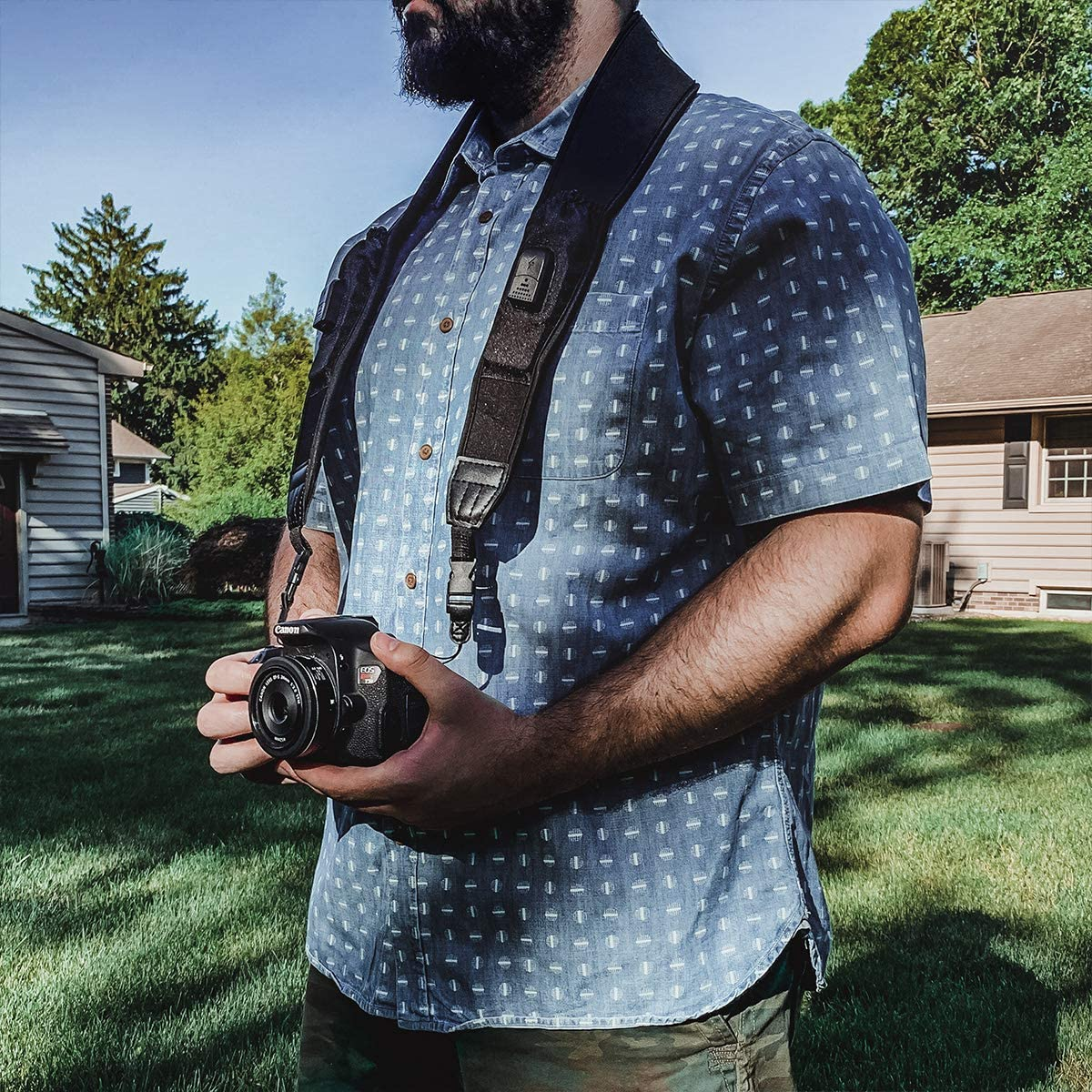 Deco Photo Camera Power Strap with Built in 2600 mAh Camera Charging Banks Non-Slip Grip Comfortable Shoulder Strap Universal Compatible with Most Models Charge As You Shoot