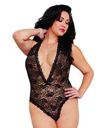 6403e87e1 Dreamgirl Women s Plus-Size Seductive Bride Lace Teddy with Heart Cut-Out  Detail