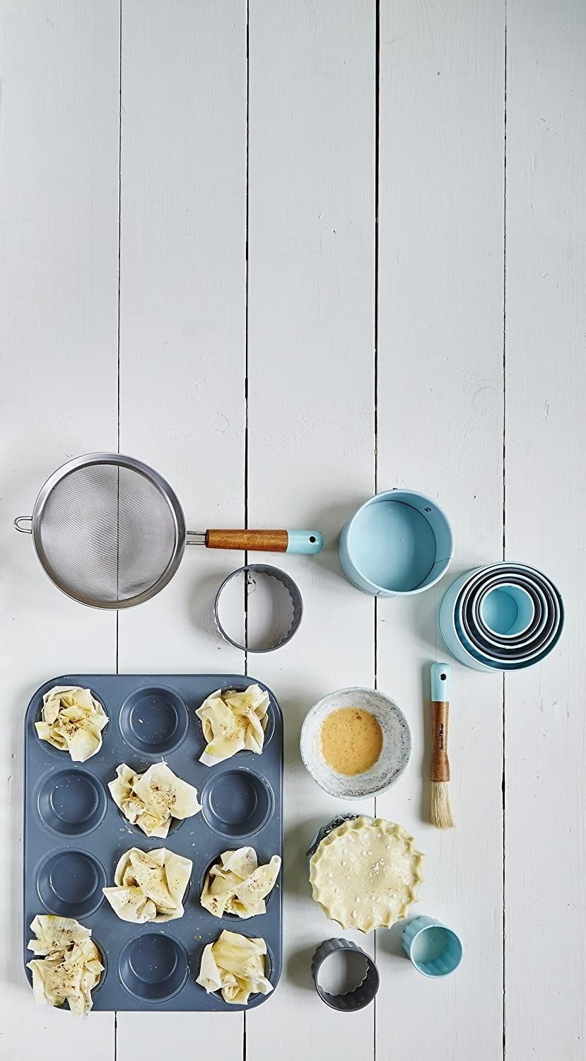 Jamie Oliver Bakeware Range Round Cookie Cutters 5//6//7//8.5//9.5 cm Stainless Steel//Harbour Blue Set of 5