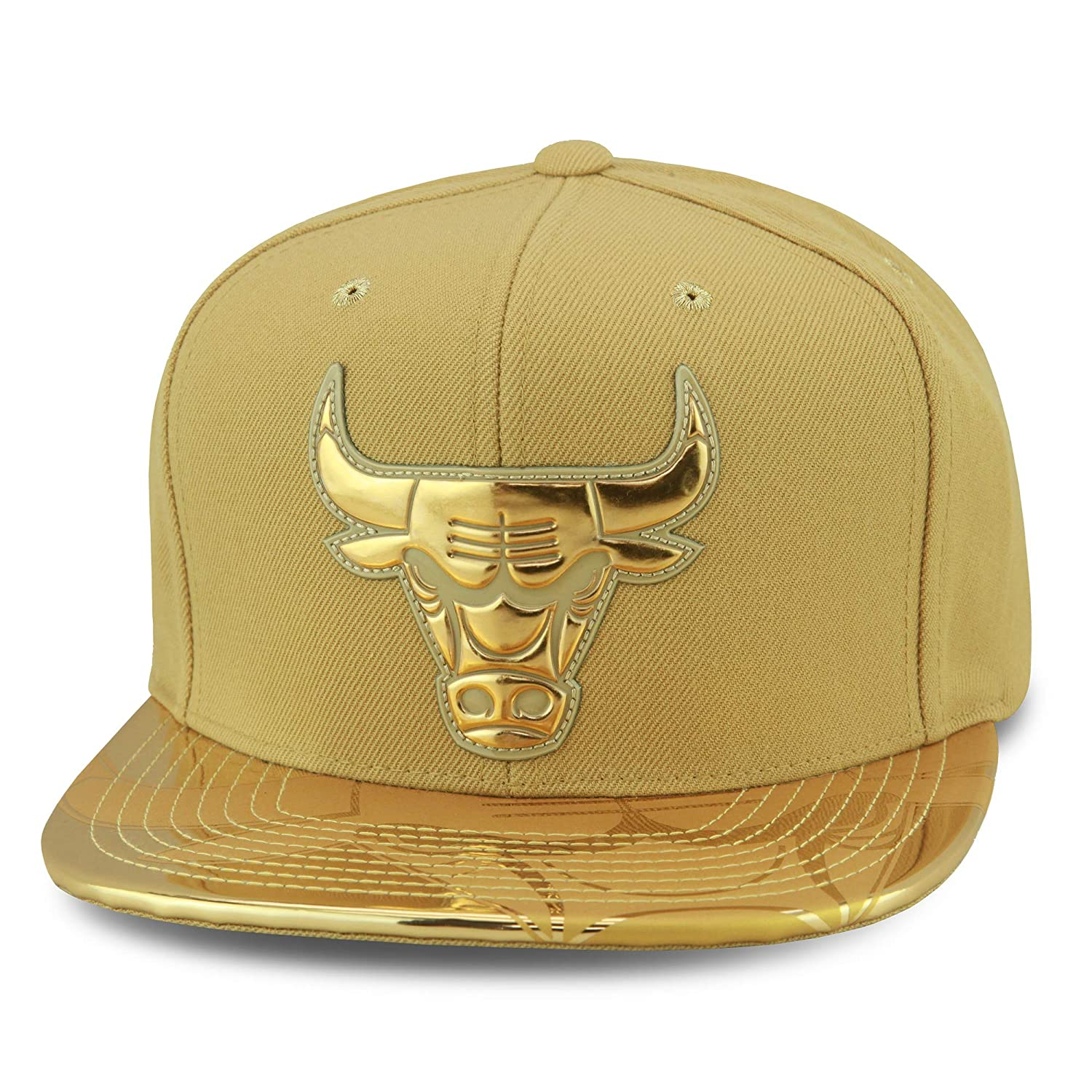 a876da59 Amazon.com: Mitchell & Ness (Premium Design) Chicago Bulls Snapback ...