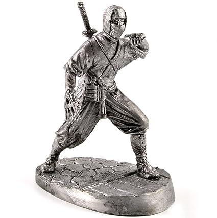 Soldados de estaño. Japón. Ninja del siglo XV escultura de ...