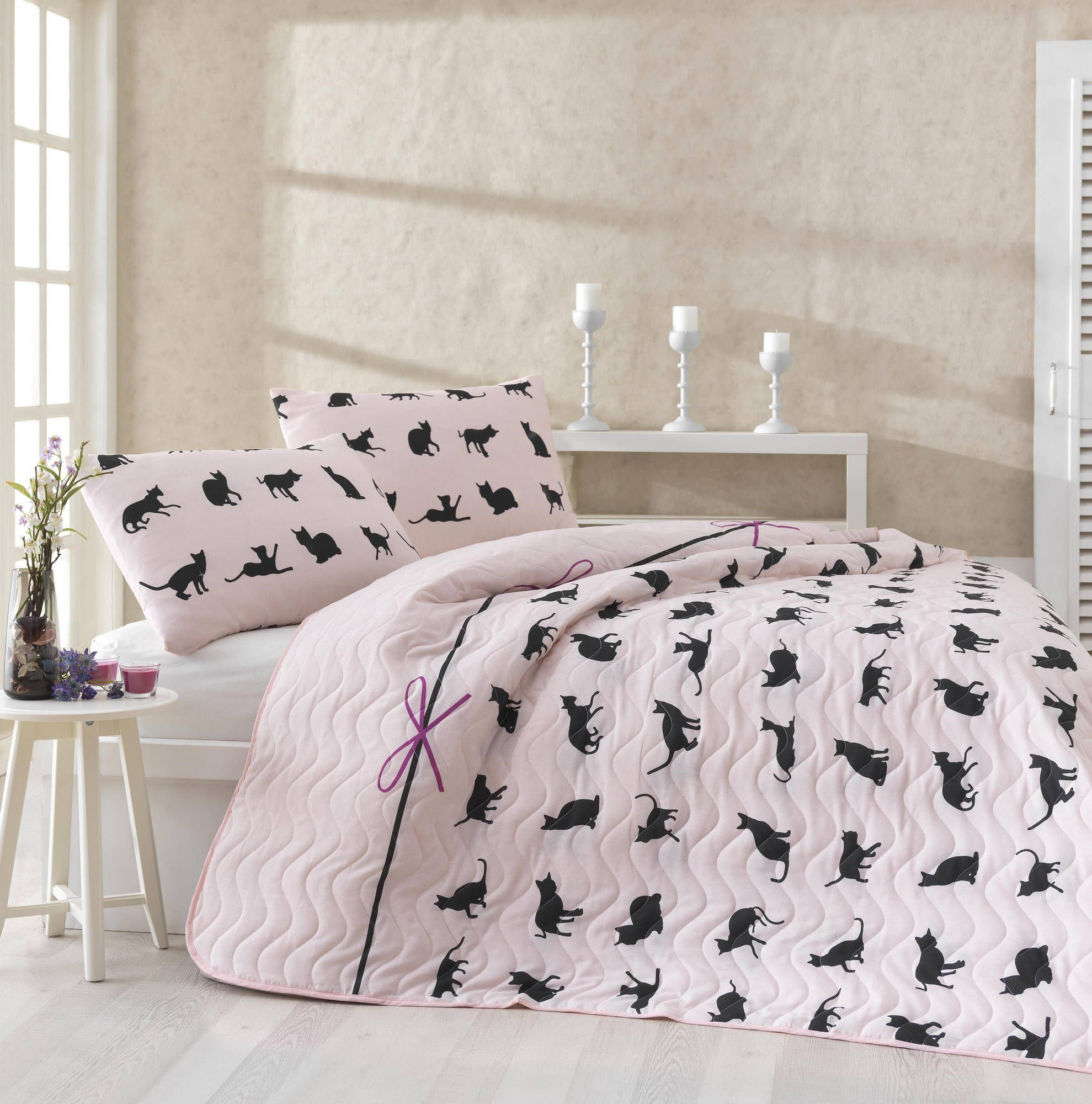 3 Pcs Soft Colored Full and Double Bedroom Bedding 65% Cotton 35% Polyester Double Quilted Bedspread Set 100% Fiber Filling Padded / Cat Animal Line Ribbon Sweet Adorable Pink Background / Bedspread S