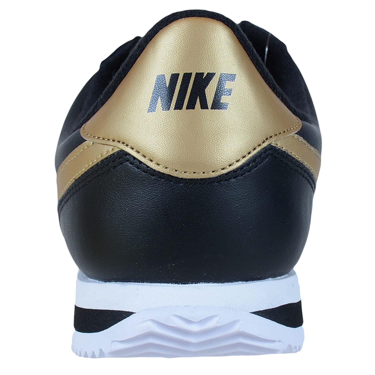 separation shoes 4a5a6 6f355 Amazon.com   Nike Men s Classic Cortez Leather Casual Shoe   Fashion  Sneakers