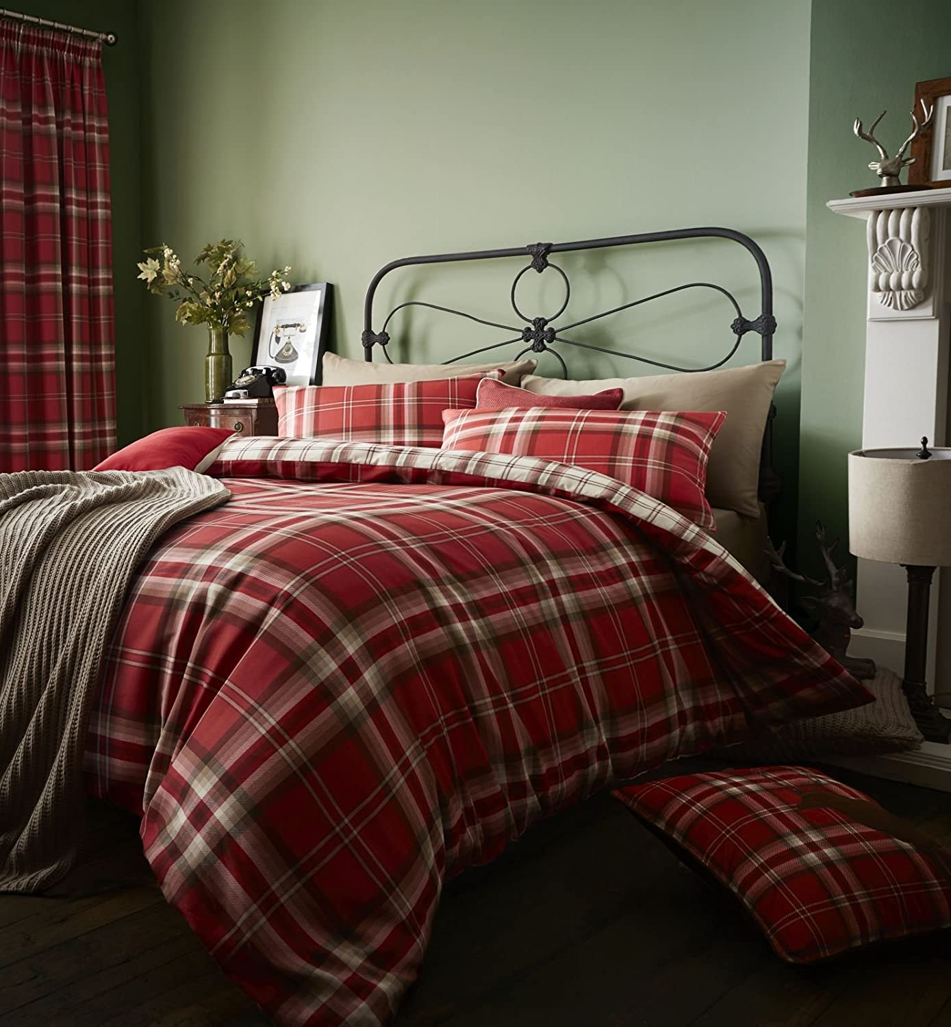 Catherine Lansfield Kelso Easy Care Double Duvet Set Red Turner Bianca BD/33905/W/DQS/RE