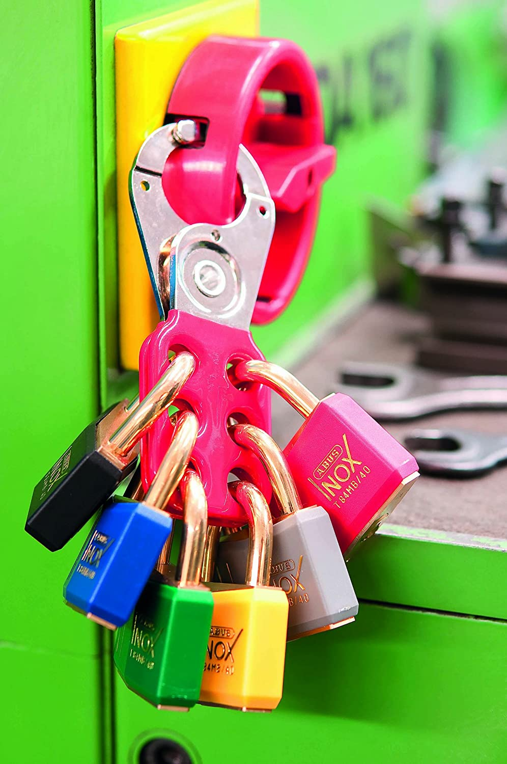 801 Lock Out Hasp 1in Rouge avec pince ABU801R Abus