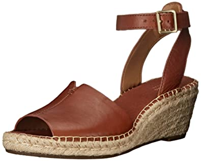 276ba8c6a33a3 Amazon.com | Clarks Women's Petrina Selma Wedge Sandal | Platforms ...