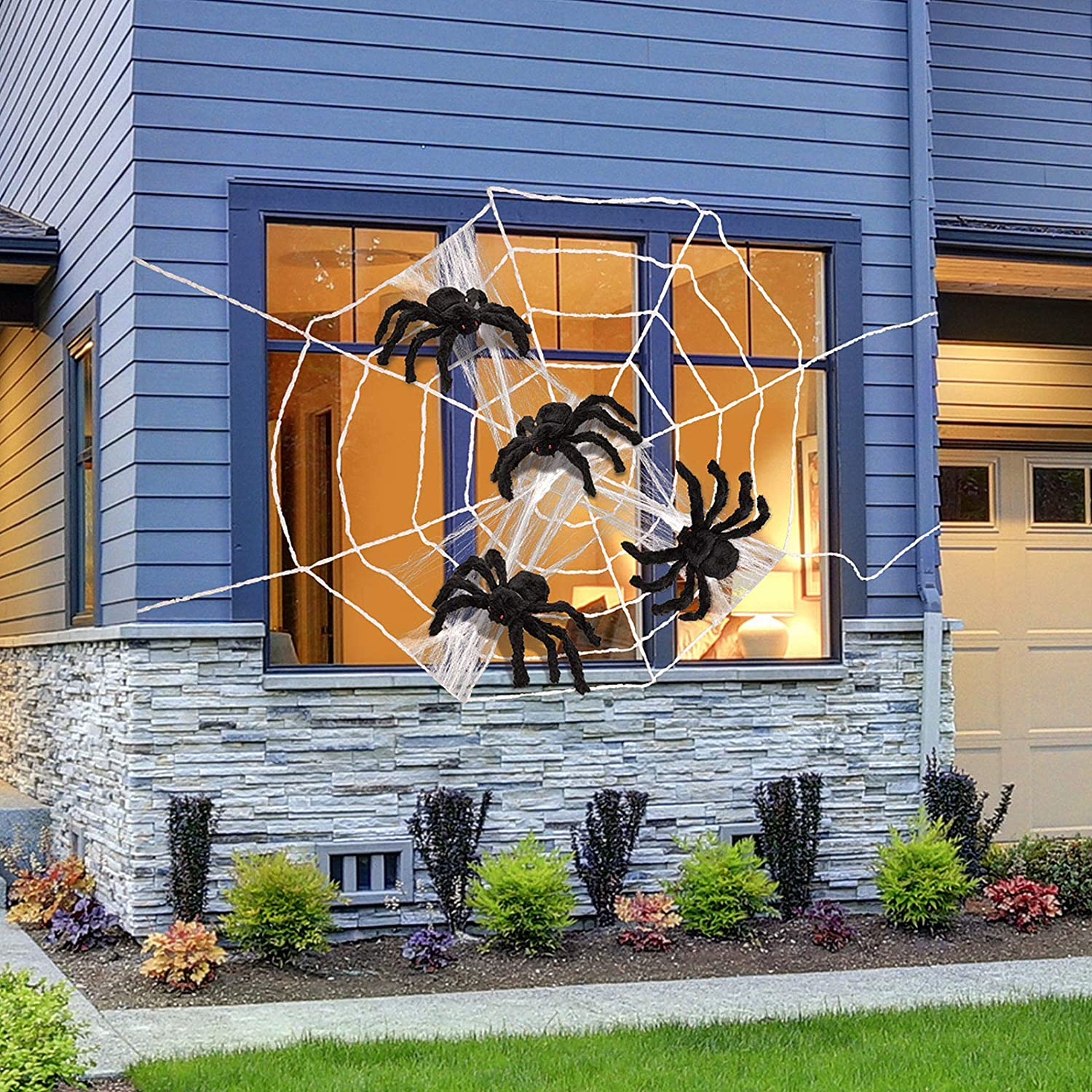 4 Pieces Halloween Fake Spiders with Giant Spider Web Stretch Cobweb Decoration for Halloween Party Outdoor Garden Yard Haunted House Decor Costume Props