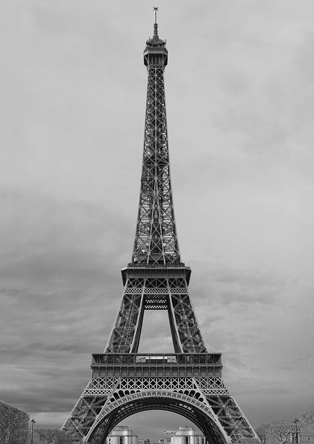 Amazon com eiffel tower paris france black white photography art 17 x 24 art print archival ink in glossy paper limited edition without frame
