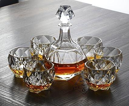 La jarra y los vidrios del whisky fijaron de 7 pedazos, decantador cristalino personalizado y