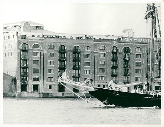 Amazoncom Vintage Photo Of London Gun Wharf Entertainment