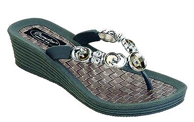 19a24ba90b43cf Grandco Women s Crescent Wedge Thong Sandal (6 M US
